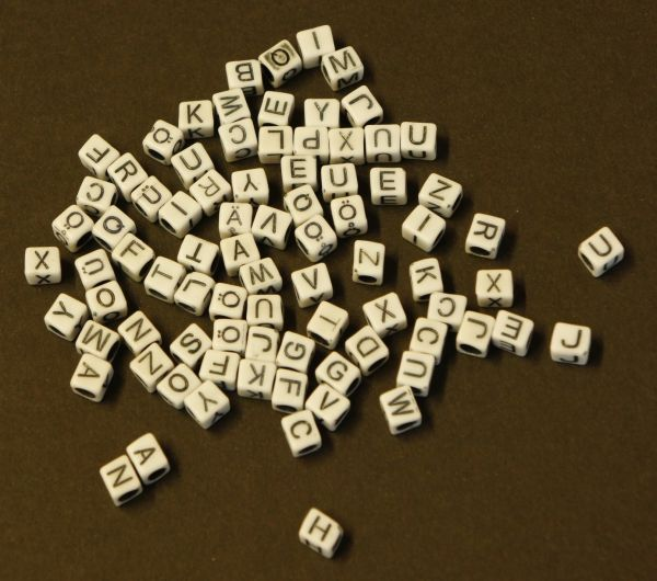 Alphabetperlen eckig